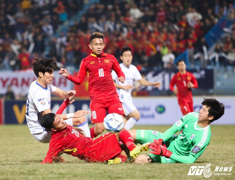 Thung luoi phut bu gio, U23 Viet Nam thua sat nut Ulsan Hyundai hinh anh 1