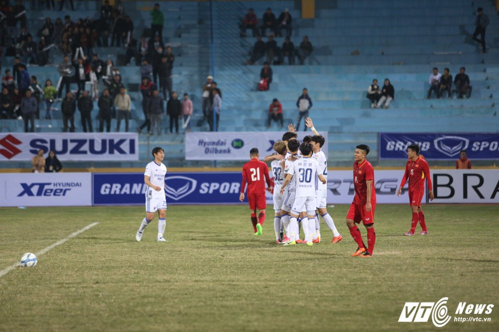 HLV Park Hang Seo that vong: Sao cac ban U23 Viet Nam thieu tu tin the? hinh anh 1