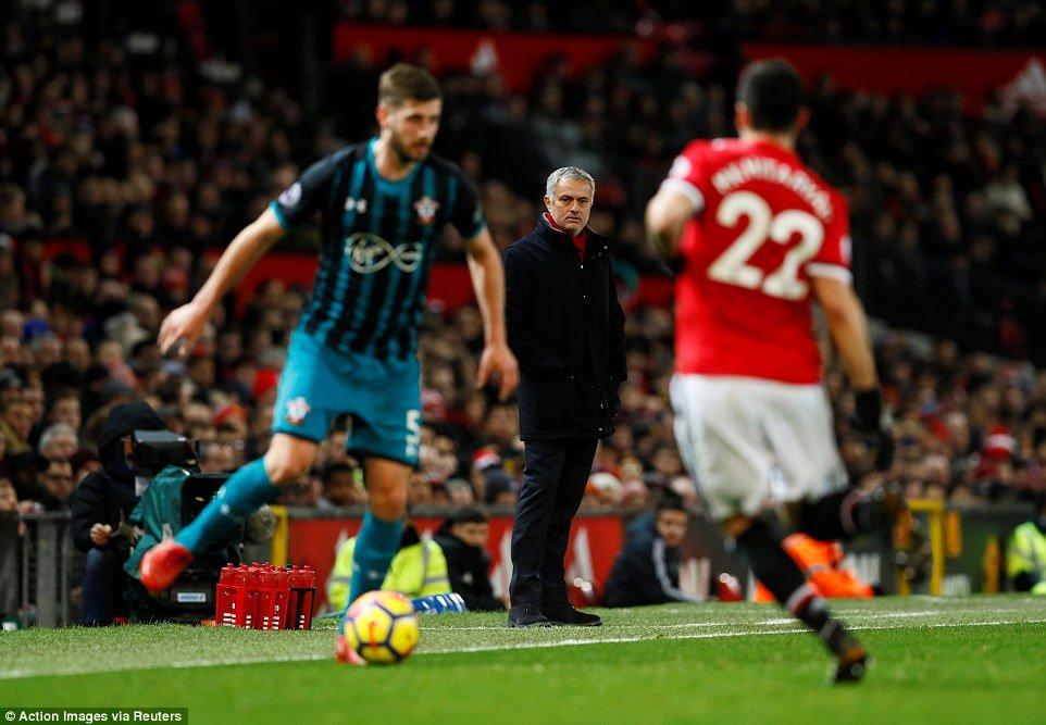 MU hoa that vong, Mourinho tiep tuc do loi cho trong tai hinh anh 1