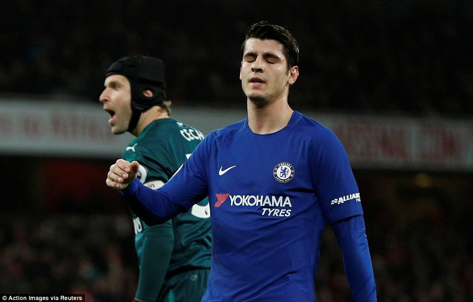 Tu cai vung tay bat luc cua Morata den su suy tan cua tinh than Chelsea hinh anh 3