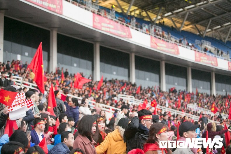 Truc tiep: San My Dinh ruc sang dem Gala mung cong U23 Viet Nam hinh anh 18