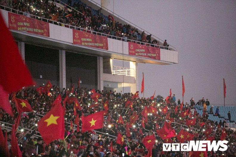 Truc tiep: San My Dinh ruc sang dem Gala mung cong U23 Viet Nam hinh anh 21
