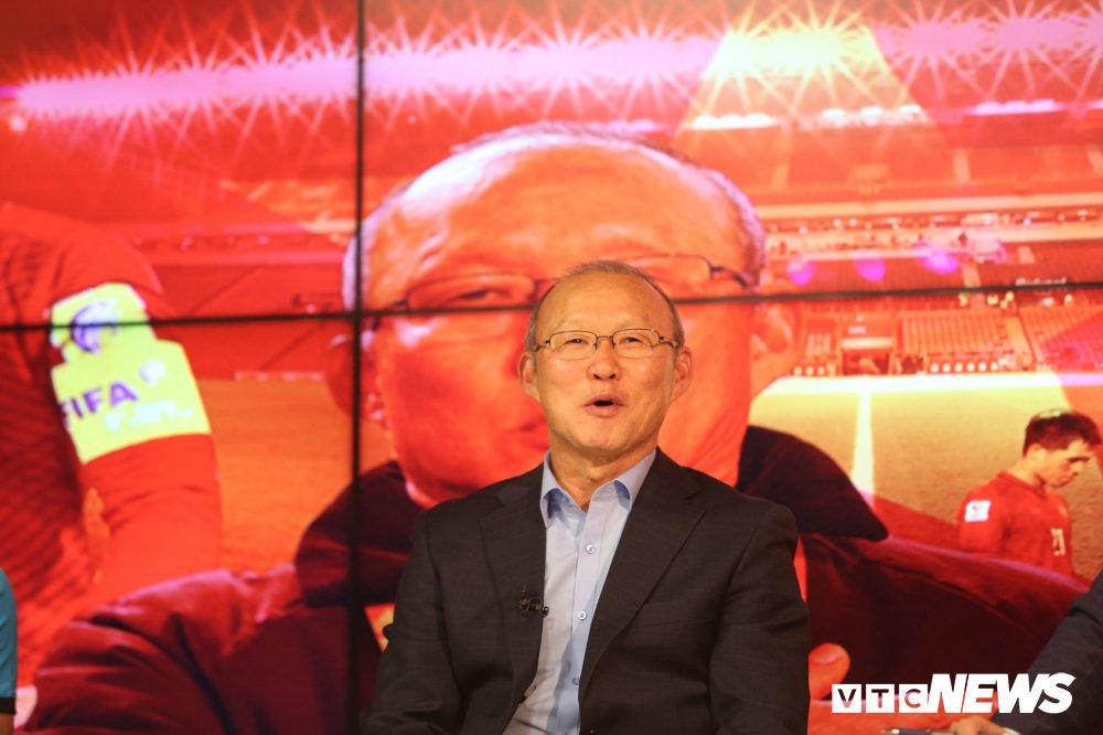 HLV Park Hang Seo: Co vai cau thu U23 Viet Nam 'khong ngoan' hinh anh 1