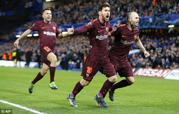Messi ghi ban thang lich su, Barca hoa may man truoc Chelsea hinh anh 2