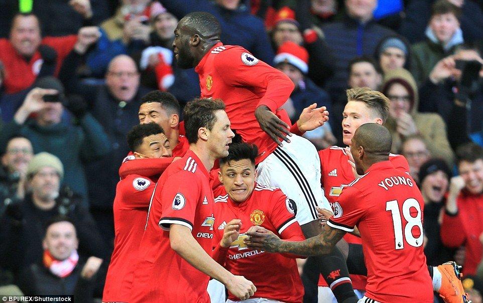 Jose Mourinho: Su khiem nhuong mang ve chien thang cho MU hinh anh 2