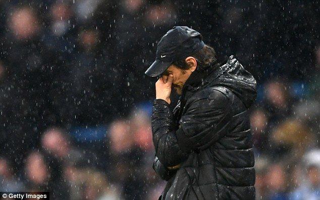 Ngoai Hang Anh ha man: Man City, Salah len dinh, Conte cho trat sa thai hinh anh 4