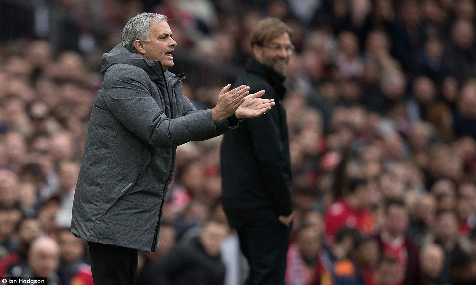 Jose Mourinho: 'MU thang la duoc, toi khong quan tam nguoi khac noi gi' hinh anh 2