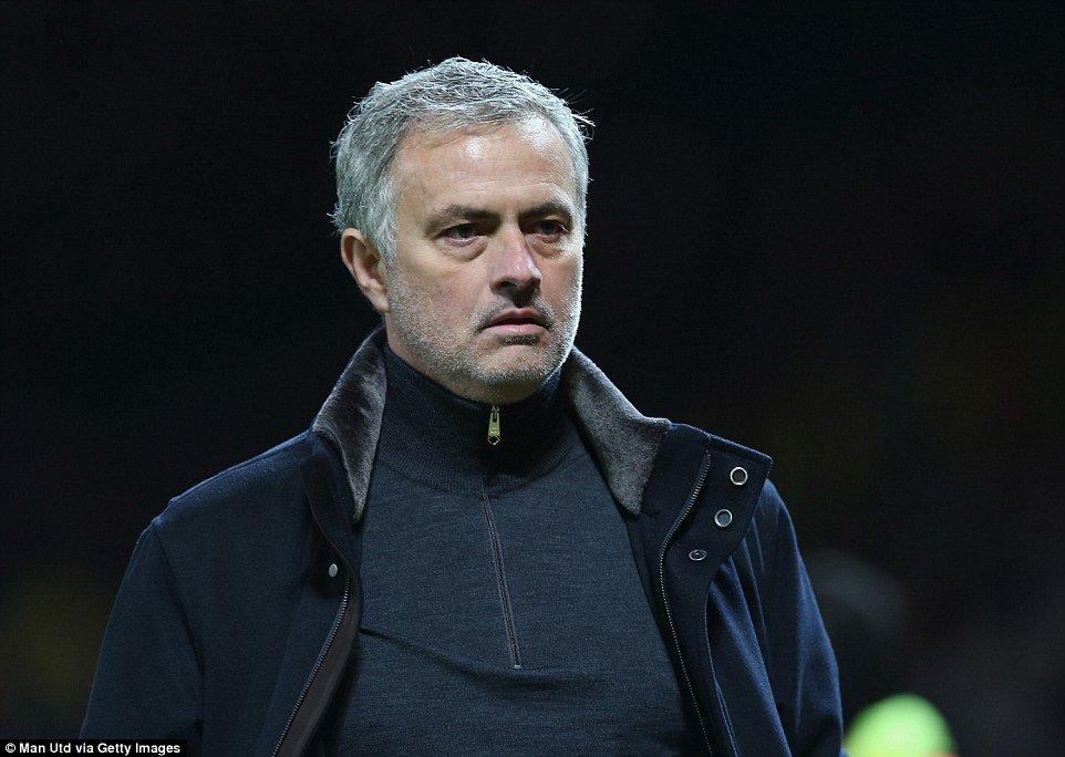 Ca su nghiep cua Jose Mourinho la nhung cuoc cong kich hinh anh 1