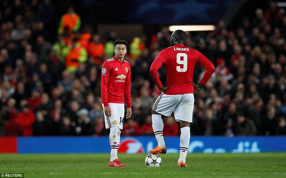 MU khung hoang, Mourinho do loi that bai cho nhung nguoi tien nhiem hinh anh 2