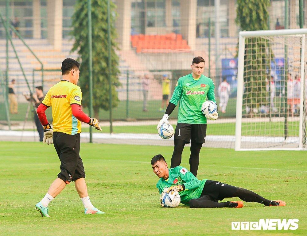 Jordan vs Viet Nam: 4 van de cho HLV Park Hang Seo giai quyet hinh anh 2