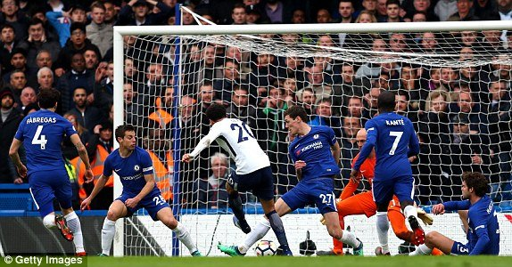 Thua tham Tottenham, Chelsea sap het hy vong du Champions League hinh anh 2