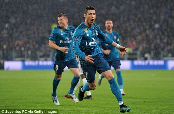 Ronaldo choi sang, Real de bep Juventus ngay tren san khach hinh anh 2