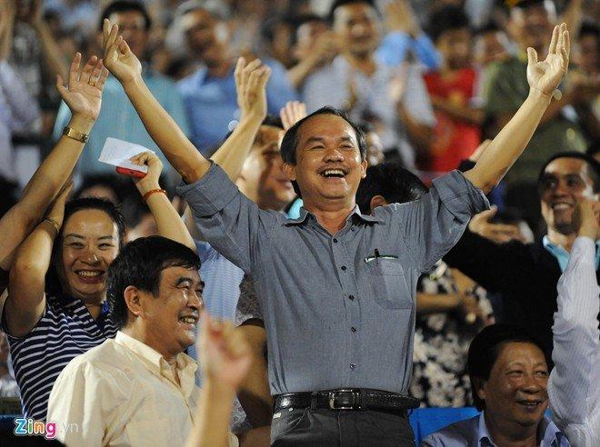 BLV Quang Huy: 'Khong nen so sanh giua bau Duc va bau Hien' hinh anh 2