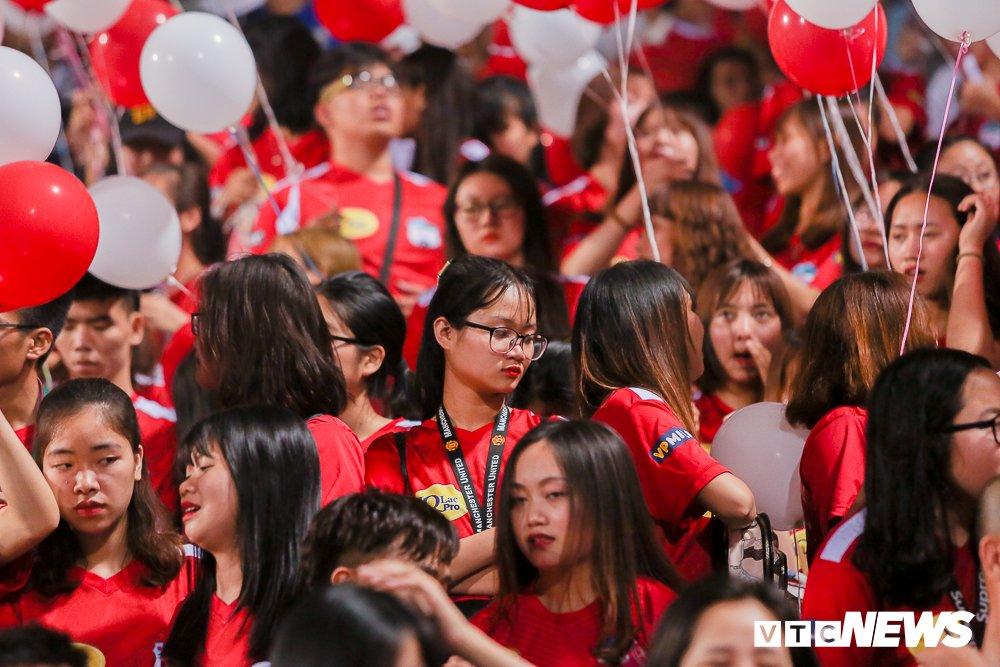 Dai chien CDV HAGL, Ha Noi FC 'nung chay' Hang Day hinh anh 4