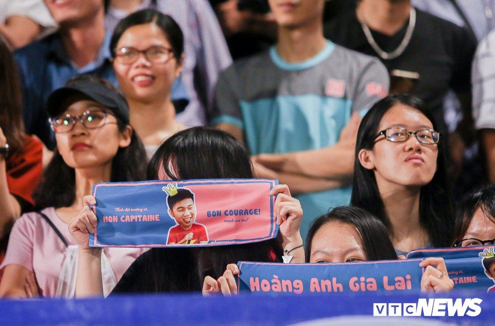 Dai chien CDV HAGL, Ha Noi FC 'nung chay' Hang Day hinh anh 7