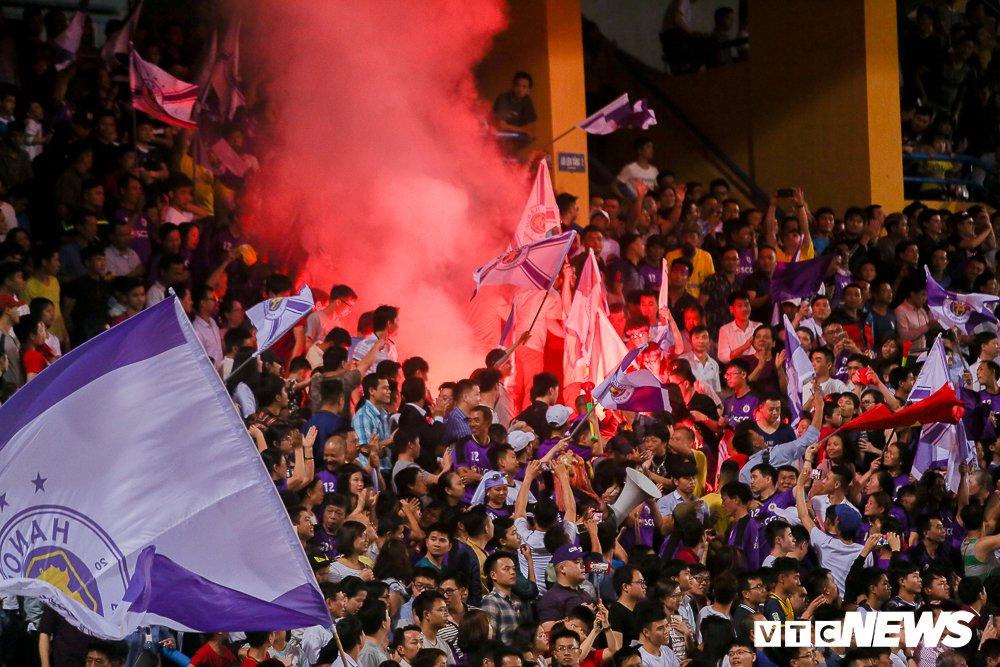 Dai chien CDV HAGL, Ha Noi FC 'nung chay' Hang Day hinh anh 9