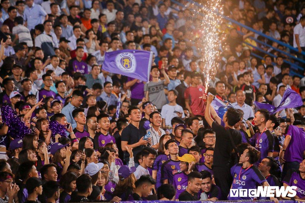 Dai chien CDV HAGL, Ha Noi FC 'nung chay' Hang Day hinh anh 10