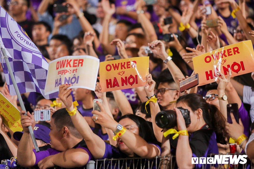 Dai chien CDV HAGL, Ha Noi FC 'nung chay' Hang Day hinh anh 12