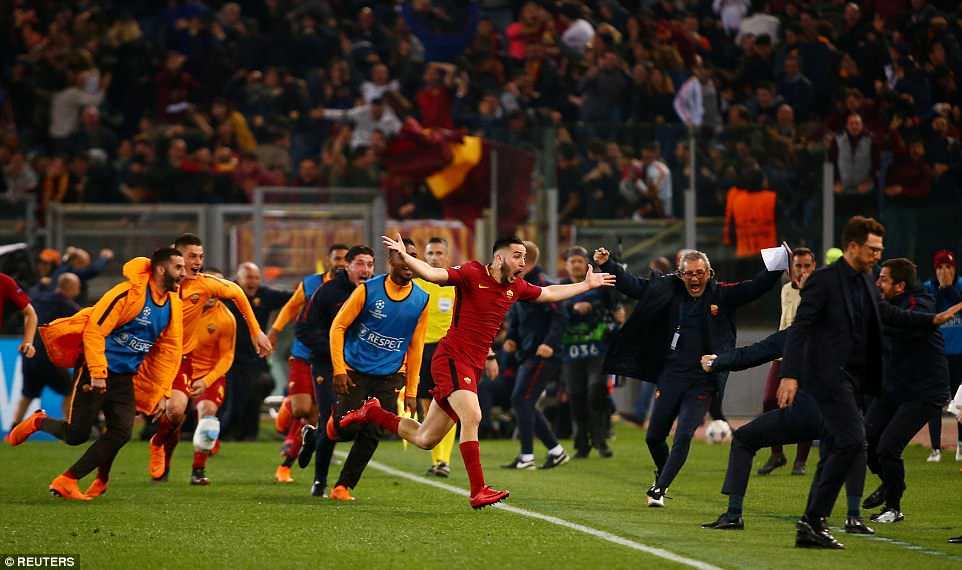 Barca bi AS Roma huy diet: Cai gia cua viec coi thuong doi thu hinh anh 1