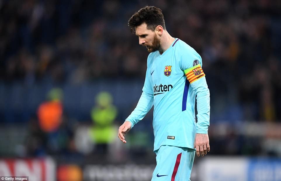 Dau an cup C1 dem qua: AS Roma hat cang Barca, trong tai xu ep Man City hinh anh 4