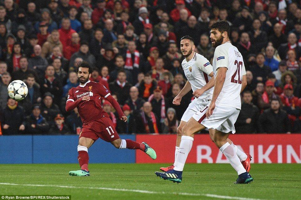 Mohamed Salah da mot tay huy diet AS Roma the nao? hinh anh 1