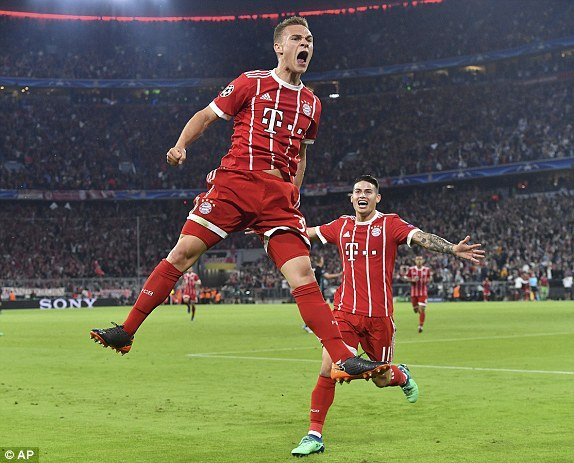Van may ngoanh mat, Bayern thua tiec nuoi truoc Real hinh anh 1