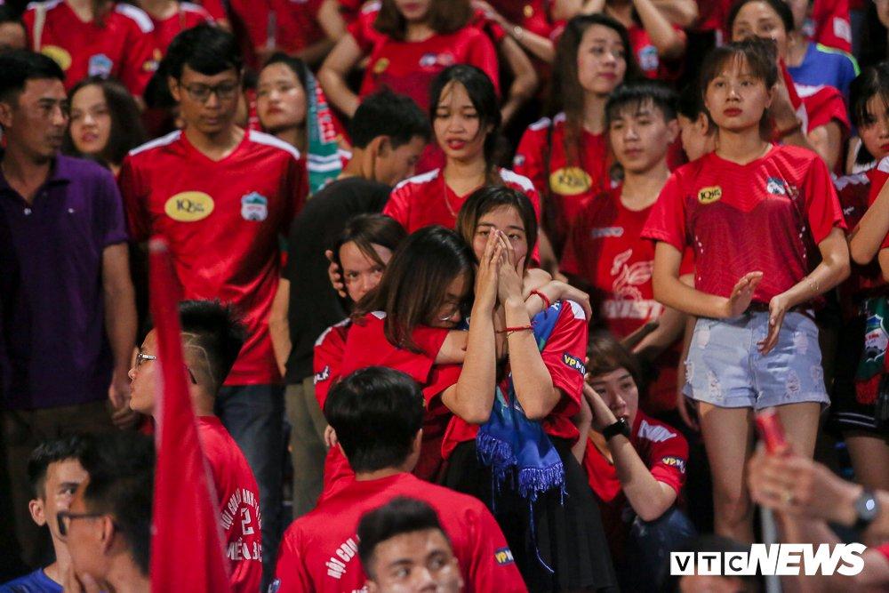 CDV 'oanh tac' Hang Day trong ngay Ha Noi loai HAGL khoi cup Quoc gia hinh anh 15