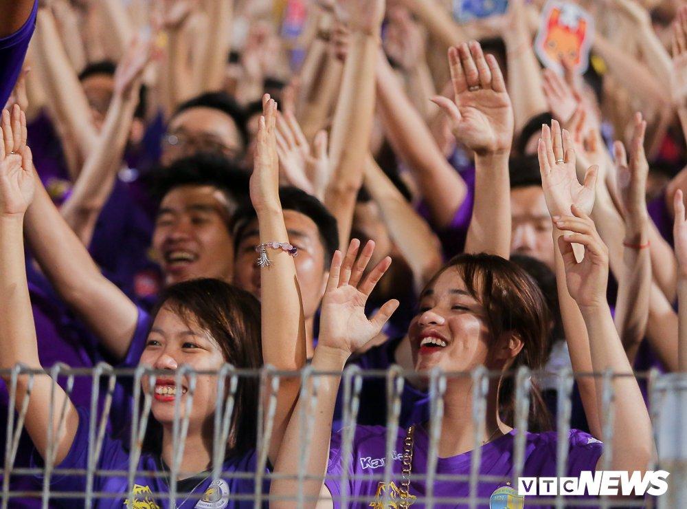 CDV 'oanh tac' Hang Day trong ngay Ha Noi loai HAGL khoi cup Quoc gia hinh anh 10