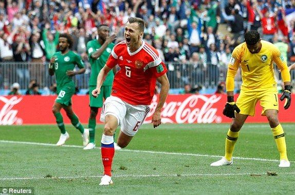 A Rap Xe Ut qua yeu, Nga thang tung bung tran ra quan World Cup hinh anh 2