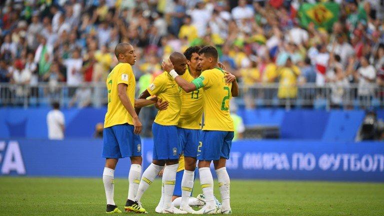 Thang de Mexico, Brazil khien the gioi choang vang voi ky luc nay hinh anh 1
