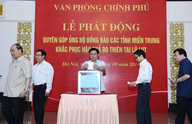 Van phong Chinh phu quyen gop ung ho dong bao mien Trung hinh anh 2