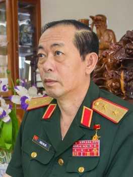 Vu pho duoc bo nhiem 'than toc': Trung tuong Tran Phi Ho noi gi? hinh anh 1