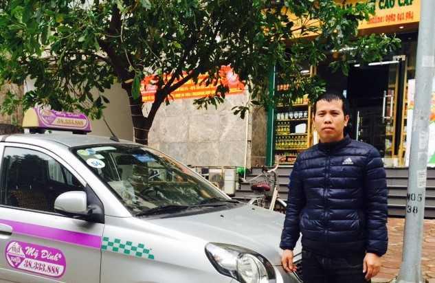 Tai xe taxi tra lai 14.000 USD cho du khach Han Quoc de quen hinh anh 1