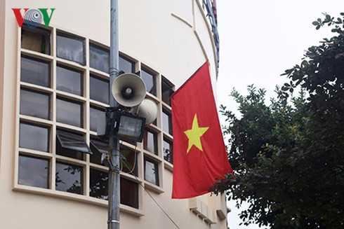 Tong Giam doc VOV Nguyen The Ky: Su dung loa phuong cho hop ly chu khong phai bo hay giu hinh anh 2