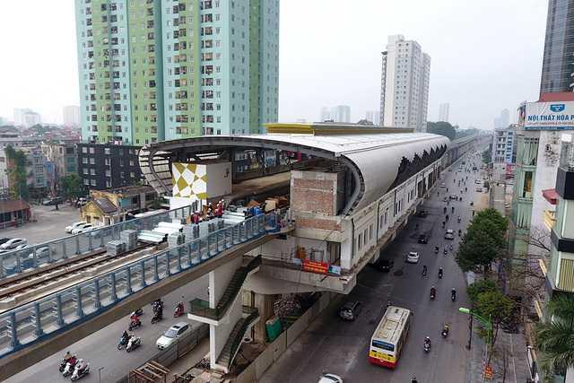 'Soi' tuyen duong sat do thi Cat Linh - Ha Dong tu tren cao hinh anh 8