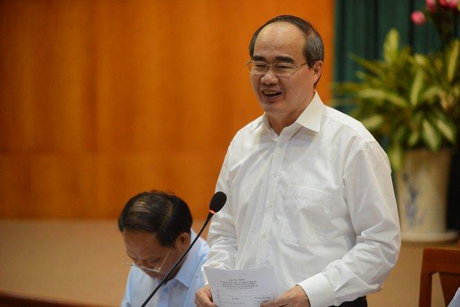 Bi thu Nguyen Thien Nhan: TP.HCM se tiep tuc chien dich dep via he hinh anh 1