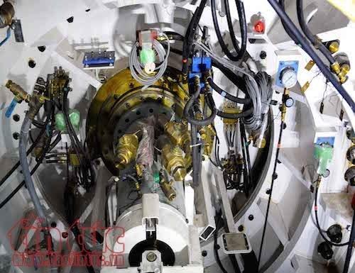 'Soi' robot khong lo truoc gio dào hàm tuyén metro TP.HCM hinh anh 7