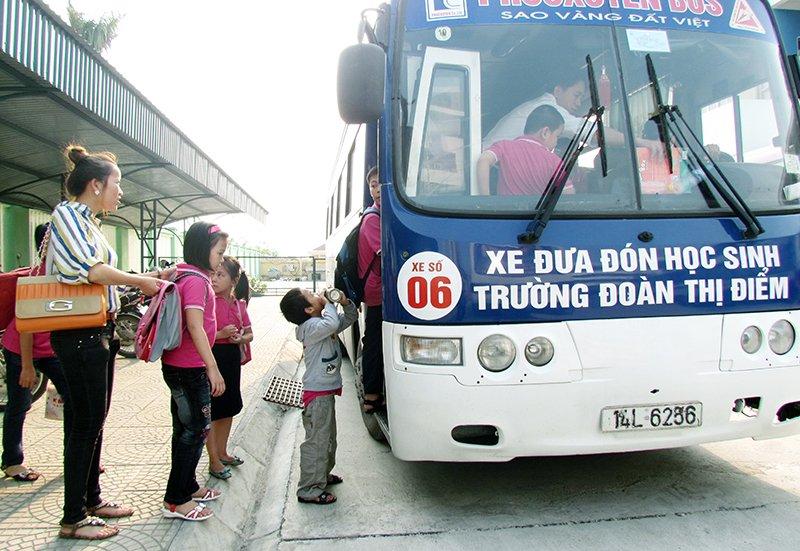Ha Noi sap co xe buyt danh rieng dua don hoc sinh di hoc hinh anh 1