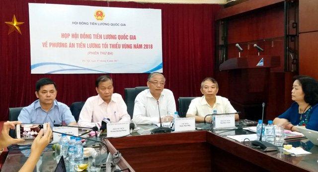 Chot tang 6,5% luong toi thieu vung nam 2018 hinh anh 1