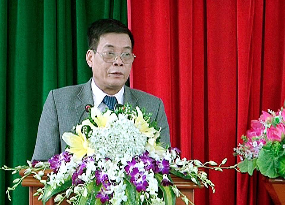 Chu tich huyen o Vinh Phuc xin nghi viec: 'Toi xin nghi huu som cho thanh than' hinh anh 1