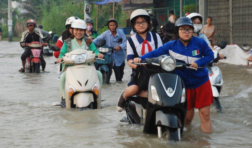 Thoi tiet dip nghi Tet Duong lich 2018: Ha Noi don khong khi lanh, TP.HCM nguy co ngap lut hinh anh 1