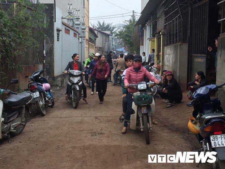 No lon o Bac Ninh, 2 chau be thiet mang: Dau dan tiep tuc phat no, dan van un un keo den xem hinh anh 3