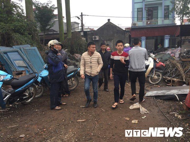 No lon o Bac Ninh, 2 chau be thiet mang: Dau dan tiep tuc phat no, dan van un un keo den xem hinh anh 5