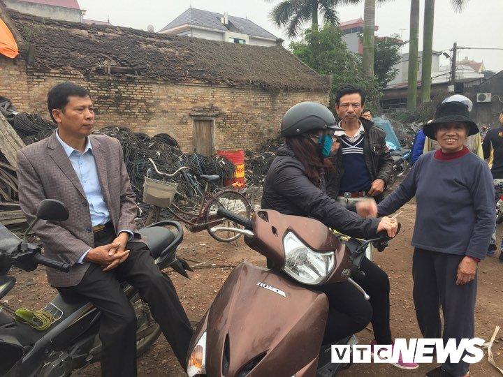 No lon o Bac Ninh, 2 chau be thiet mang: Dau dan tiep tuc phat no, dan van un un keo den xem hinh anh 4
