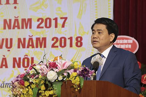 Chu tich Ha Noi: 'Con ong chau cha' cung cap nguyen vat lieu truc loi? hinh anh 1