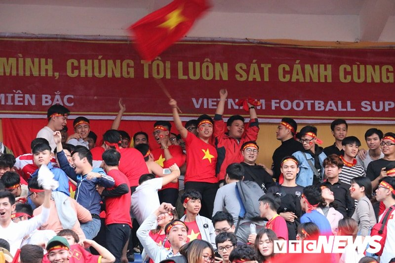Trieu trai tim nguoi Viet bat khoc trong chien thang mang ten U23 Viet Nam hinh anh 3