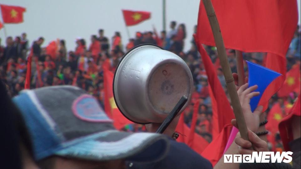 San My Dinh 'no tung' sau pha sut phat dep nhu mo cua Quang Hai hinh anh 15