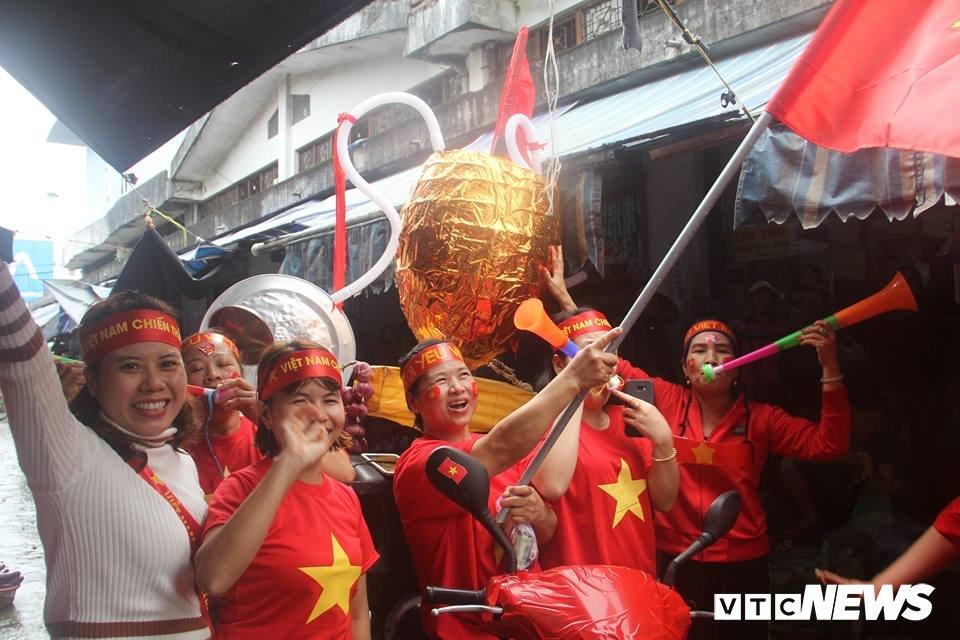 Truc tiep: Khong khi xem tran chung ket U23 Viet Nam - U23 Uzbekistan tren ca nuoc hinh anh 88