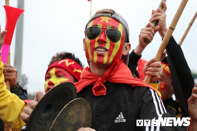 Truc tiep: Khong khi xem tran chung ket U23 Viet Nam - U23 Uzbekistan tren ca nuoc hinh anh 104