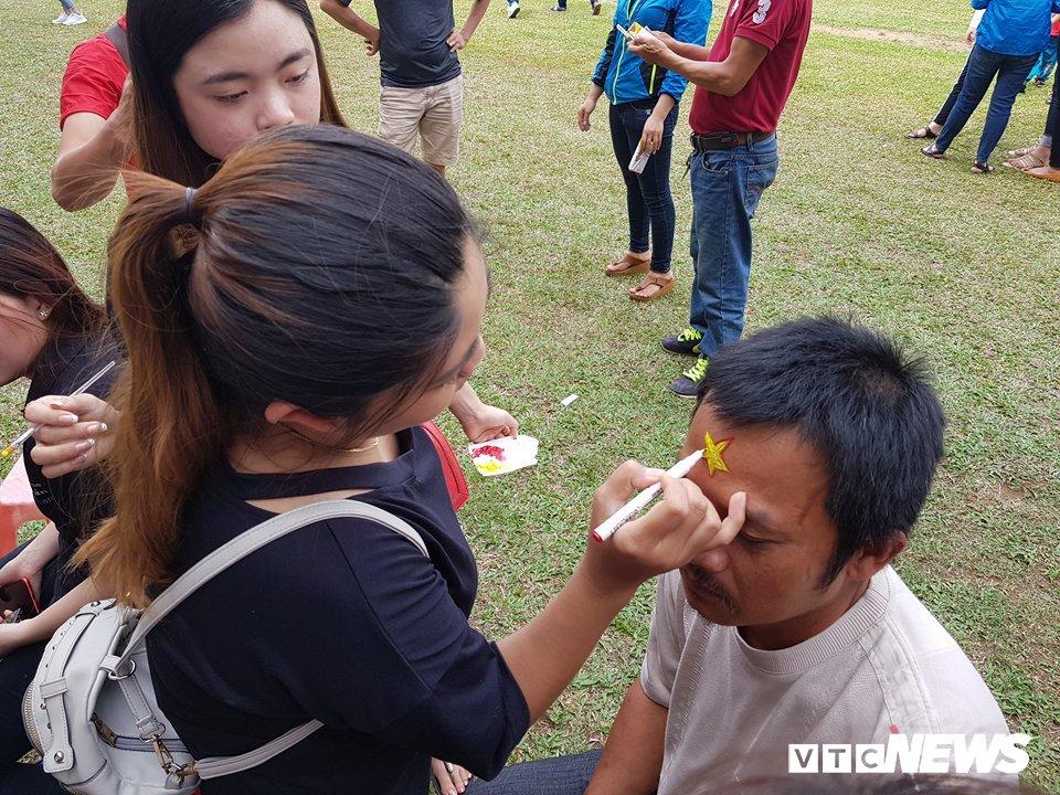 Truc tiep: Khong khi xem tran chung ket U23 Viet Nam - U23 Uzbekistan tren ca nuoc hinh anh 95